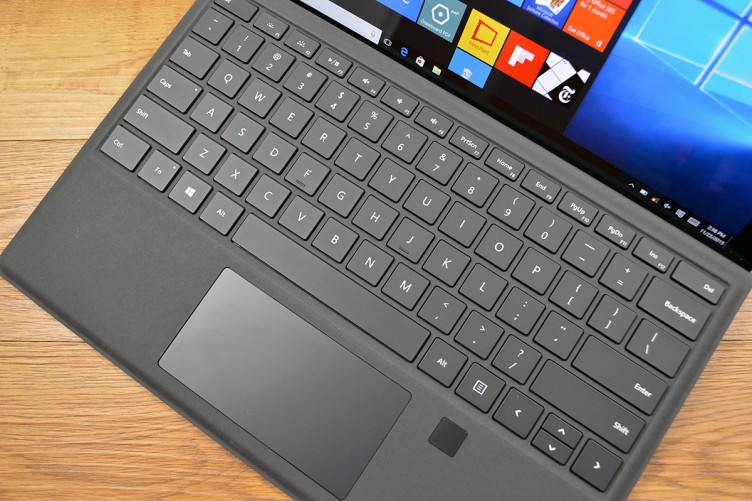 Microsoft Surface Pro 4 Type Cover with Fingerprint ID