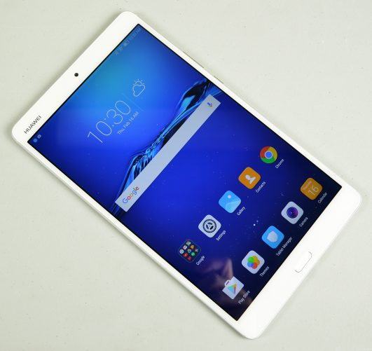 Huawei MediaPad M3 Review: Good Android Tablet, Perfect Size
